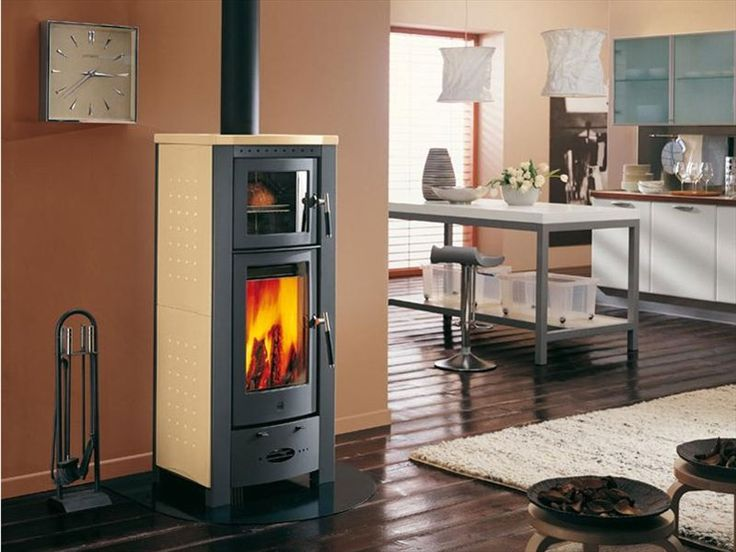 wood stove with built in oven. AWESOME