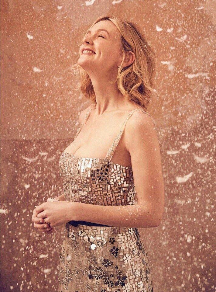 Carey Mulligan  для  Harper's Bazaar UK January 2018 #careymulligan #chtistmas #fashion #moda #UK #christmas