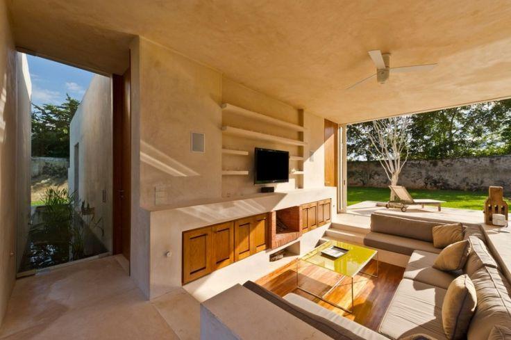 Corner Of Home Design With Large Green Yard ~ http://lanewstalk.com/making-use-of-large-green-yard/