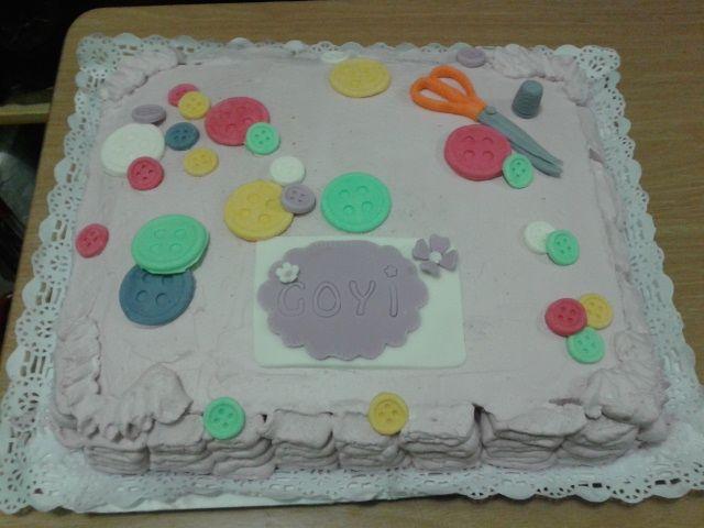 tarta mousse de café y nata motivo costurero