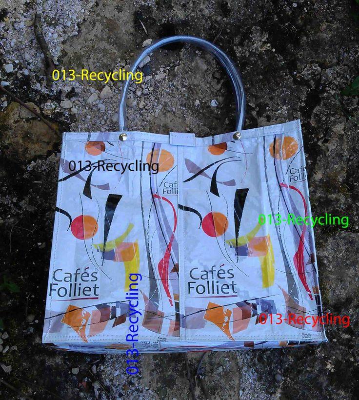 Handbag/Handtas recycled Coffeebags/Koffiezakken_03_type Folliet_white with images/wit met print door Petershandmades op Etsy