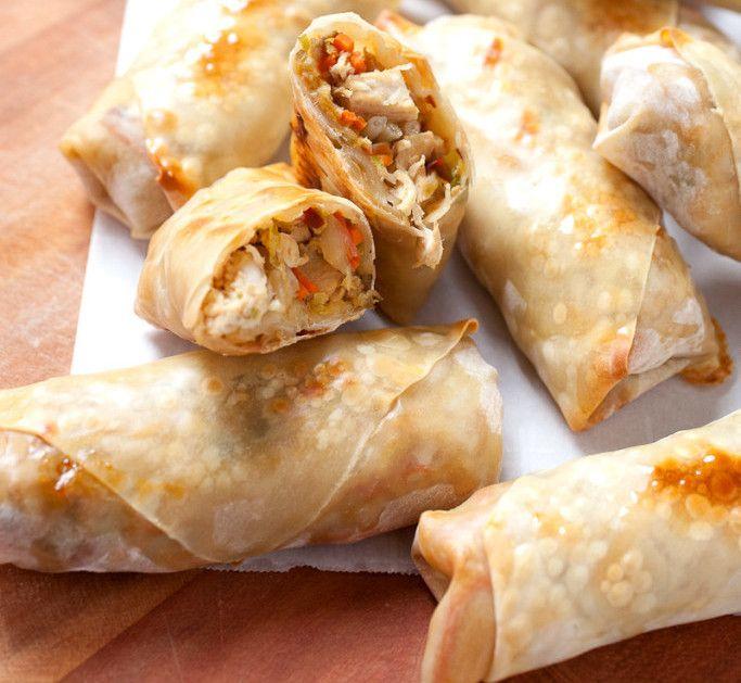 Cette recette de egg rolls au poulet est la seule que vous n'aurez jamais besoin! Non seulement c'est un vrai délice, mais vous pourrez la mettre à votre propre goût! À faire, absolument.