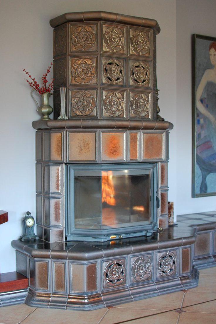Kominek w szkliwie złotym artystycznym z manufaktury Riwal. Tiled fireplaces. Kominki kaflowe. Piece kaflowe. Tiled fireplaces.