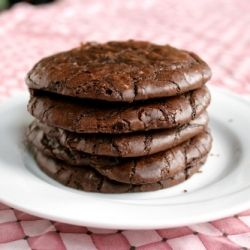 Some people love brownies, some people love cookies, but most love both. For all of them, these are a revelatory dessert: brownie cookies.: Cookies Bar, Cookies Brownies Blondi, Sweet Treats, Books Worth, Chocolates Recipes, Brownies Cookies, Recipes 24 7, Recipessweet Stuff, Favorite Recipes