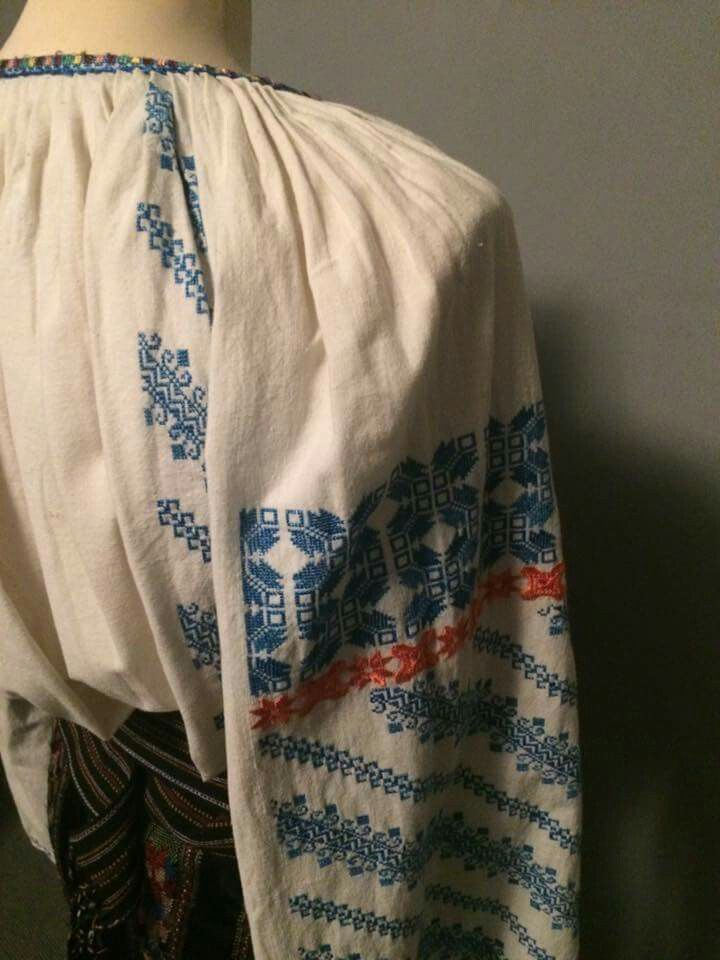 Romanian blouse sleeve detail