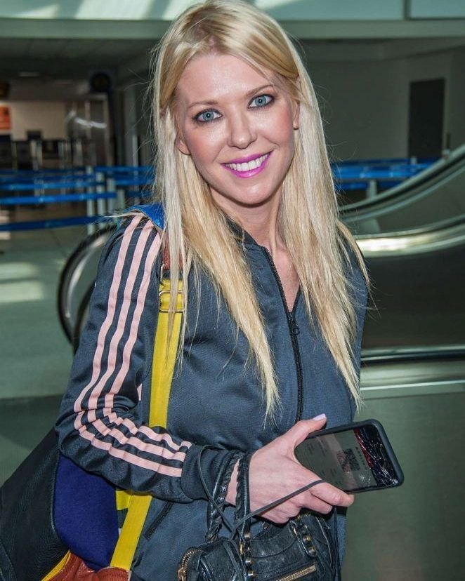 Tara Reid at LAX airport in Los Angeles #wwceleb #ff #instafollow #l4l #TagsForLikes #HashTags #belike #bestoftheday #celebre #celebrities #celebritiesofinstagram #followme #followback #love #instagood #photooftheday #celebritieswelove #celebrity #famous #hollywood #likes #models #picoftheday #star #style #superstar #instago #tarareid