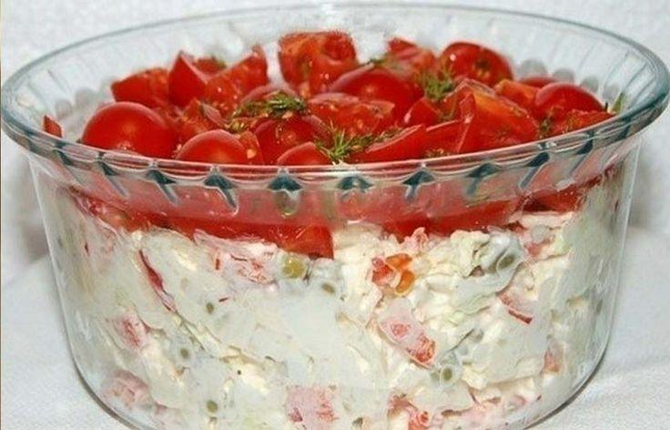 Я предлагаю свой вариант салата «Красная шапочка», который получился очень вкусным. Так что советую непременно попробовать его сделать, он не оставит вас равнодушным и будет частенько появляться на вашем столе.