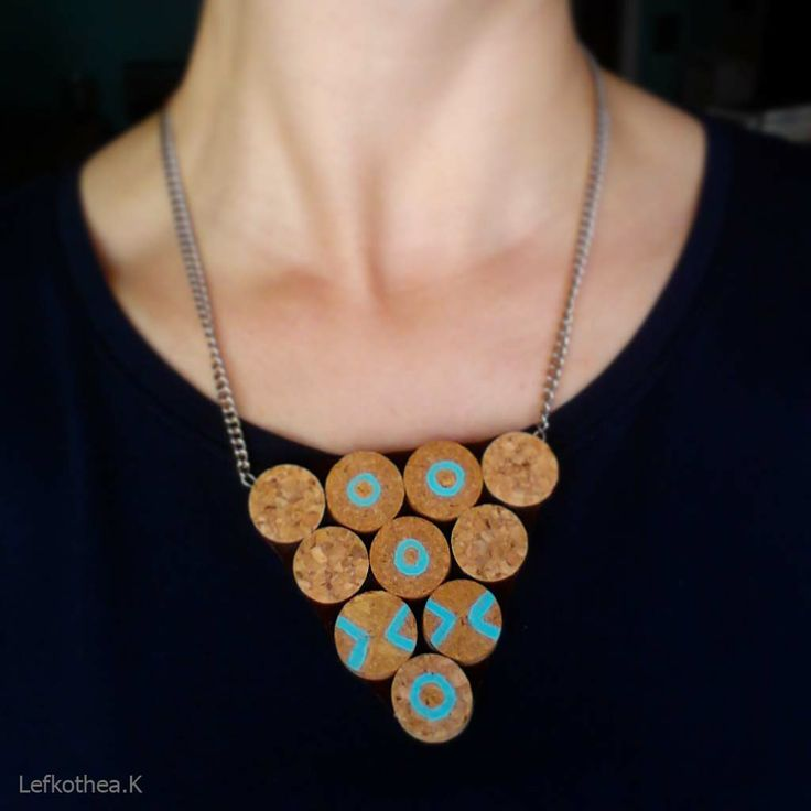 Cork neckless