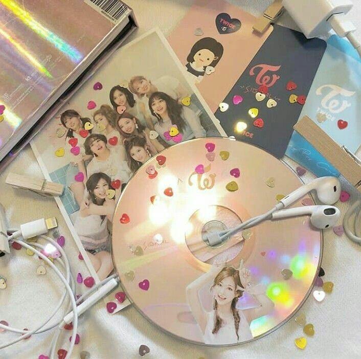 Good No Cost Twice Comeback 22 April 2019 Twice Twicetagram Twiceedit Twicegif Twice Strategies Head Sc Kpop Aesthetic Kpop Merch Pop Collection