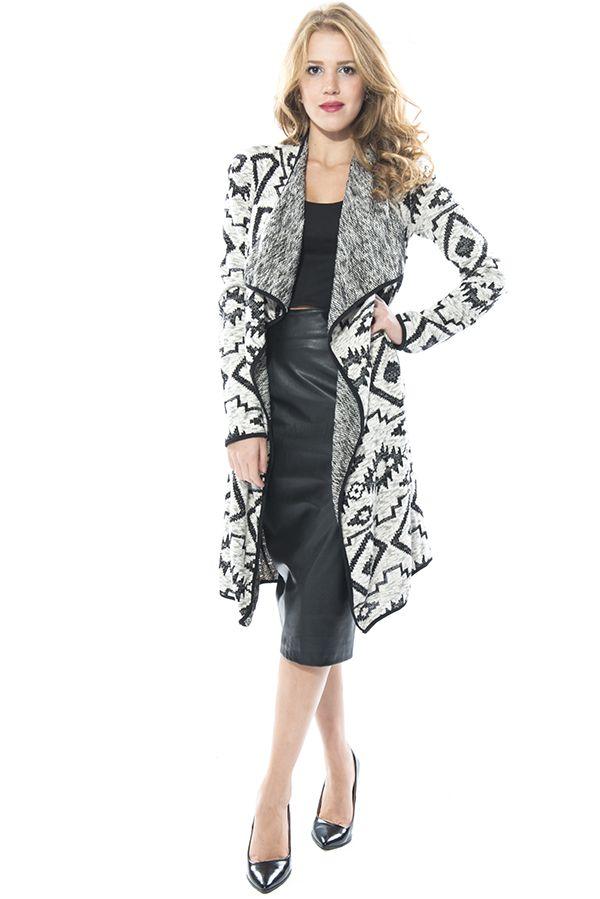 Kadın sokak modasına yön veren Bsl Fashion 'dan şık bir kombin. Ayrıntılı bilgi ve alışveriş için www.bslfashion.com ' u ziyaret edebilirsiniz. #moda #fashion #kadin #giyim #sokakmodasi #stil #hirka #kombin #tarz #great #nice