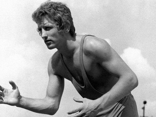 Dr. Hegedűs Csaba - Az 1972-es müncheni olimpián a kötöttfogásúak 82 kilogrammos súlycsoportjában aranyérmet szerzett, mely a magyar olimpiai csapat történetének 100. aranyérme volt. ** Olimpia 1972 **