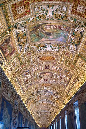 Techo de la Galería de las Cartas Geográficas en los Museos Vaticanos