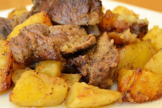 Sabor: Μοσχαράκι στο φούρνο με πατάτες και κρεμμύδια
