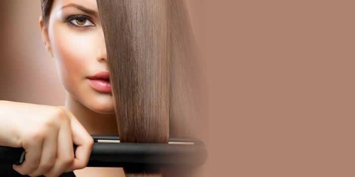 Aprenda a fazer uma receita caseira de escova progressiva para deixar os seus cabelos lindos sem gastar muito.