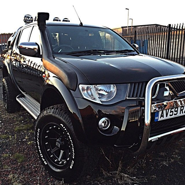 #monstertruck #l200 #mitsubishil200 #black #detailed #polish #4x4 #offroad @feelgoodinc_official @fletch_polishandglow @polishandglow @jd_customs @rdbvik @supercarclinic Mitsubishi L200 fully detailed ready to go... Up for sale DM for info