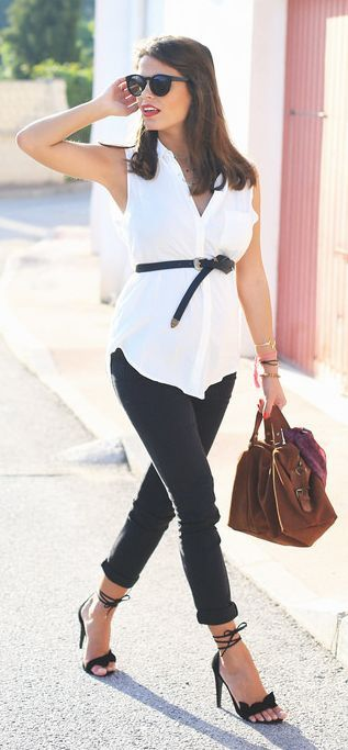 Black And White Pregnancy Streetstyle by Seams For a Desire