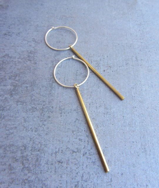 Simple laiton or minuscule bar boucles d'oreilles par lunahoo