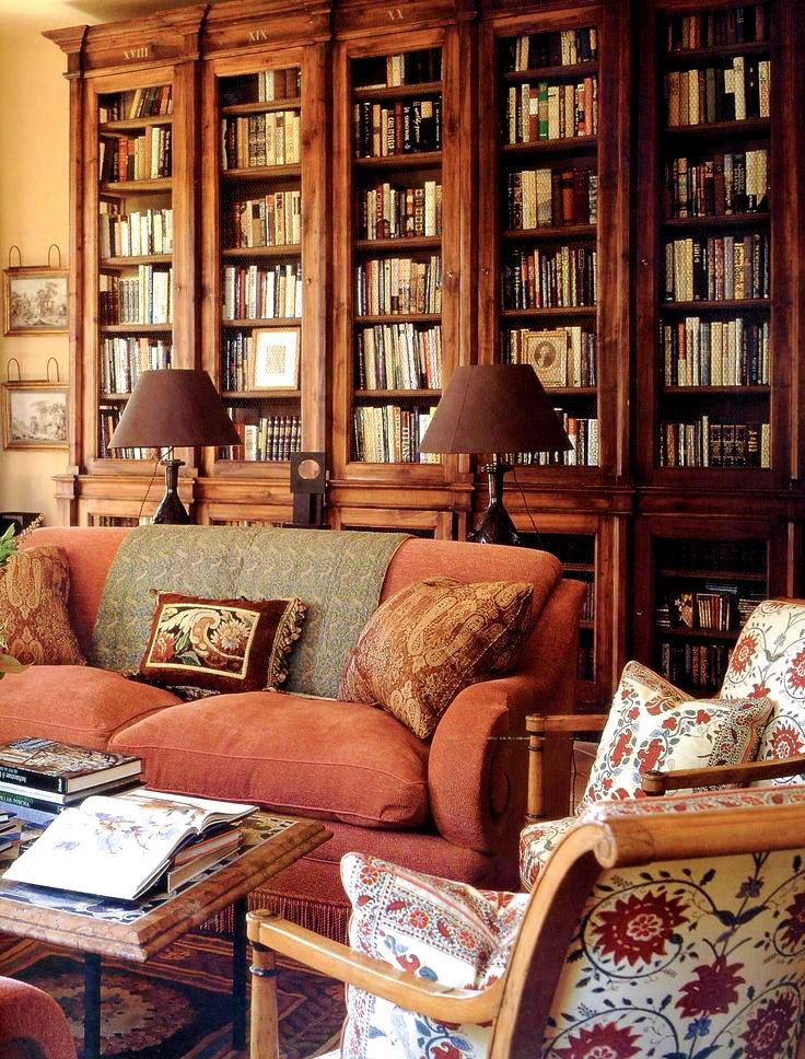 Warm, rich and inviting library by Bunny Williams. Love the colors and textures.