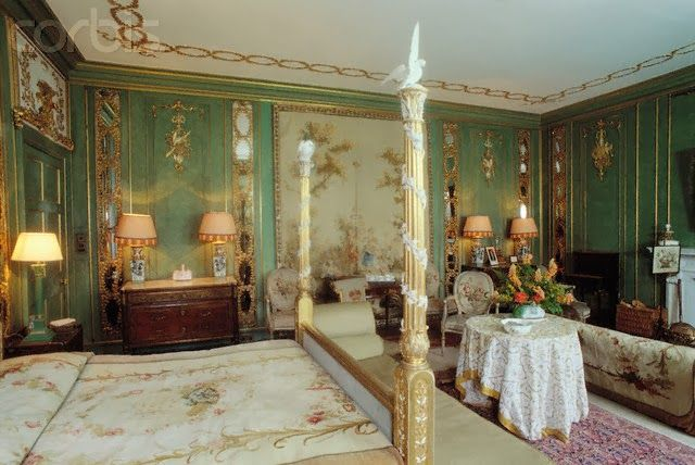 green and gold bedroom, dunrobin castle, scotland. | interiors
