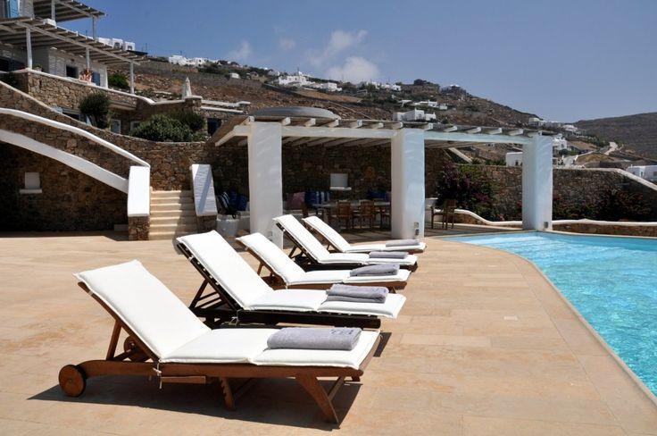 Luxurious Mykonos Villa with Infinity Pool | Feels Like Home
