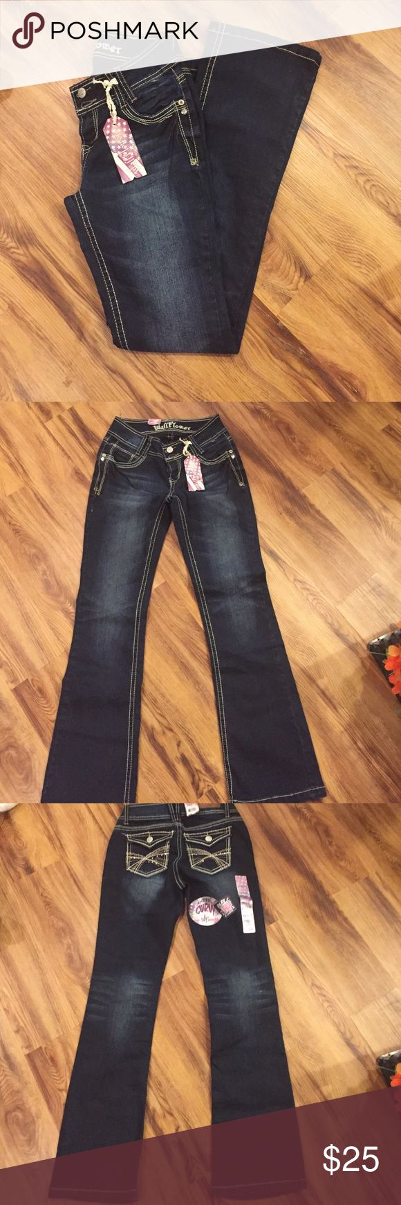 NWT Wallflower Jeans Wallflower bootcut curvy jeans. Size 3.                     BRAND NEW WITH TAGS!                                  ✔️ BUNDLE: 15% off 2+ items Wallflower Jeans Boot Cut
