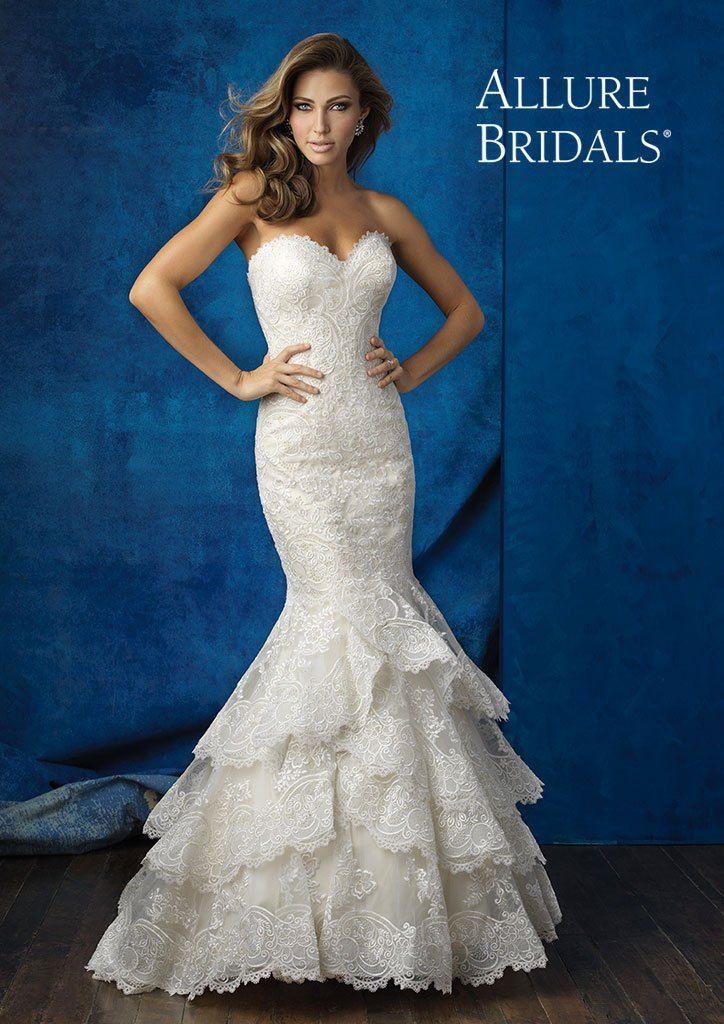 Abito da spsoa Allure Bridals  - Momenti   Alta Moda Sposa #weddingdress #abitodasposa #momentisposi