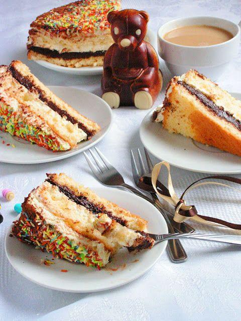 kolorowy tort śmietankowa nutella
