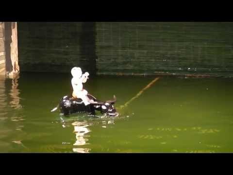 ベトナム・ハノイ 水上人形劇 2/8 Water Puppet Show Hanoi,Vietnam - YouTube