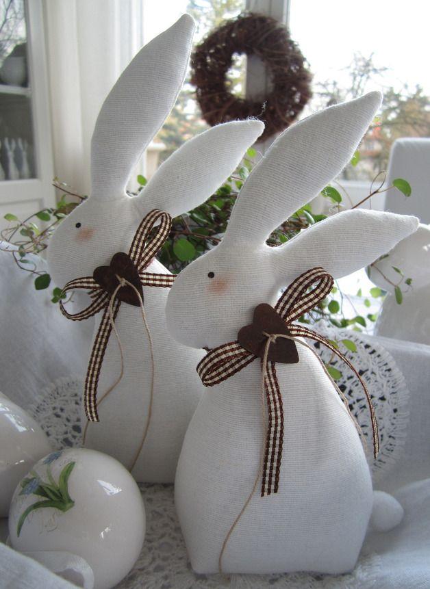 Osterhasen - Osterhasen/Paar im Landhaus-Stil - ein Designerstück von Feinerlei bei DaWanda