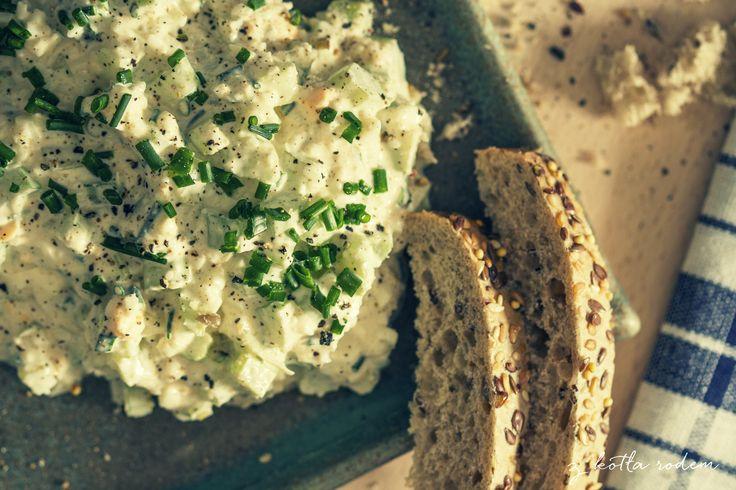 Sałatka z selerem naciowym i jajkiem - chrupiąca sałatka na zdrowie? :-) #sniadanie #selernaciowy #salatka