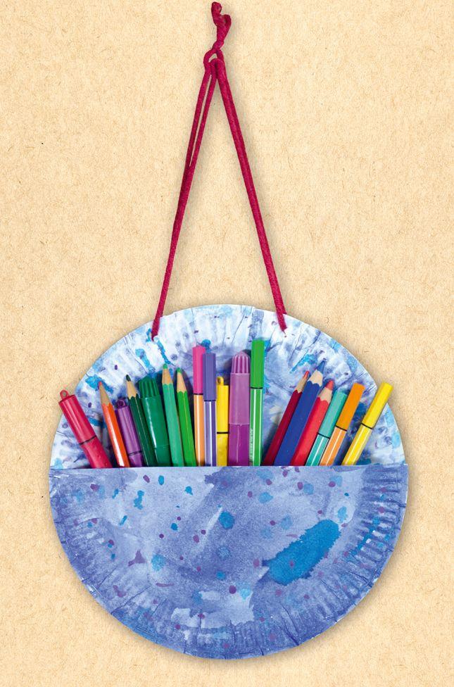 Stifte-Ordnung aus Papptellern und Wasserfarbe auf #arskreativ #DIY