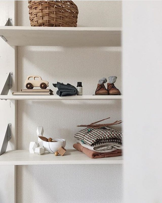 A stunning capture by @kon_tam We feel humbled to see our #littlefrenchcar among such beautiful objects...Thank you 〰#harmony #littlethings #design #shelfie #woodenstory #woodencar #woodentoy #minimalistic #minimalist #consciousliving #design #eco #ecotoys #naturaltoys #organictoys #heirloomtoys #timelesstoys #artisanmade