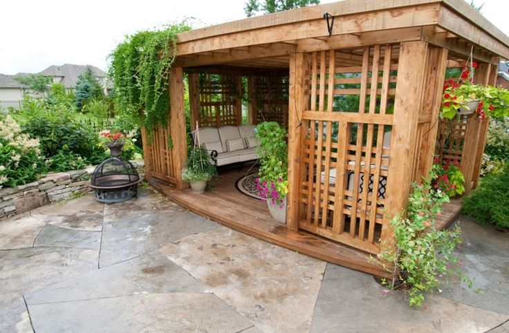 Решетки для беседки: особенности конструкций и 75 вдохновляющих идей для вашего сада http://happymodern.ru/reshetki-dlya-besedki-foto/ Прямоугольная решетка из двух рам