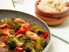 kip met roerbakgroenten in zoetzure saus