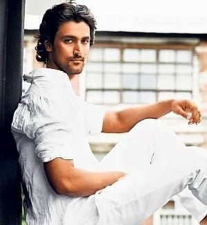 "Kunal Kapoor - Liked him in ""Don 2"", loved him in ""Aaja Nachle"""