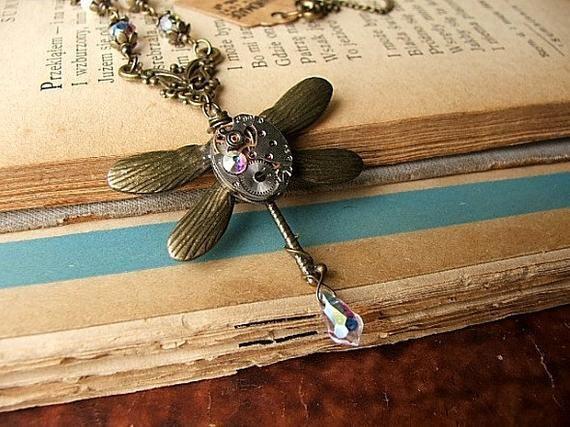 c585873f598d76 ważka wisior zegar rubin naszyjnik steampunk gothic secesja kamienie  minerały perły
