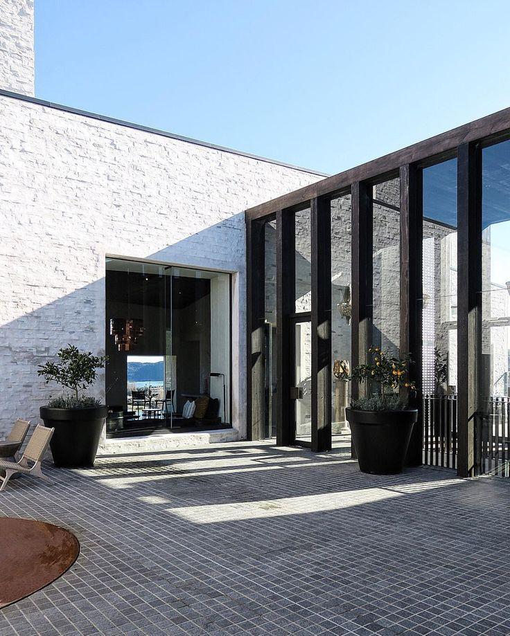 17 beste idee n over modern huis exterieur op pinterest moderne huizen ontwerpen huis - Buitenkant terras design ...