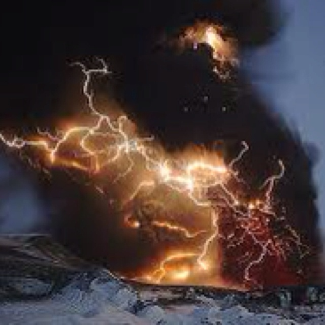 volcano lightning pyrotechnics ash - photo #33
