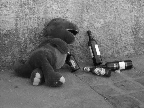 via tumblrLaugh, Funny Shit, Songs Hye-Kyo, Too Funny, Funny Stuff, Humor, Alcohol Dinosaurs, So Funny, Barneys