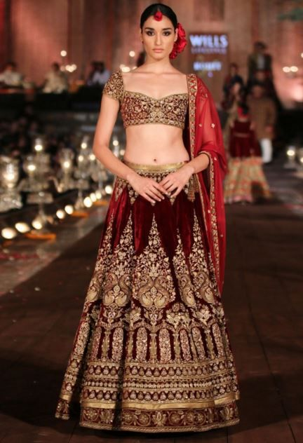 From Satya Paul to Manish Malhotra, from unconventional trails & ombre to classic styles, we have chosen the 11 LATEST trends for wedding lehenga designs!