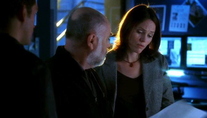 Robert David Hall and Jorja Fox in CSI: Crime Scene Investigation (2000)