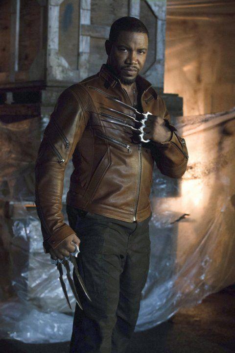 Still of Michael Jai White and Jai White in Arrow (2012)