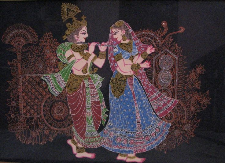 Radha and Krishna is beautifully depicted in the dot painting.