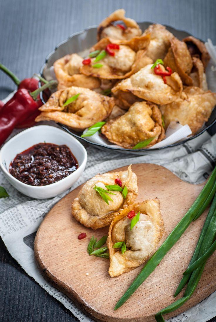 Homemade Fried Wontons. Pork shrimps shiitake mushrooms Chinese cabbage wild leek spring onion ginger...[OS] [OС] [2592x3872]
