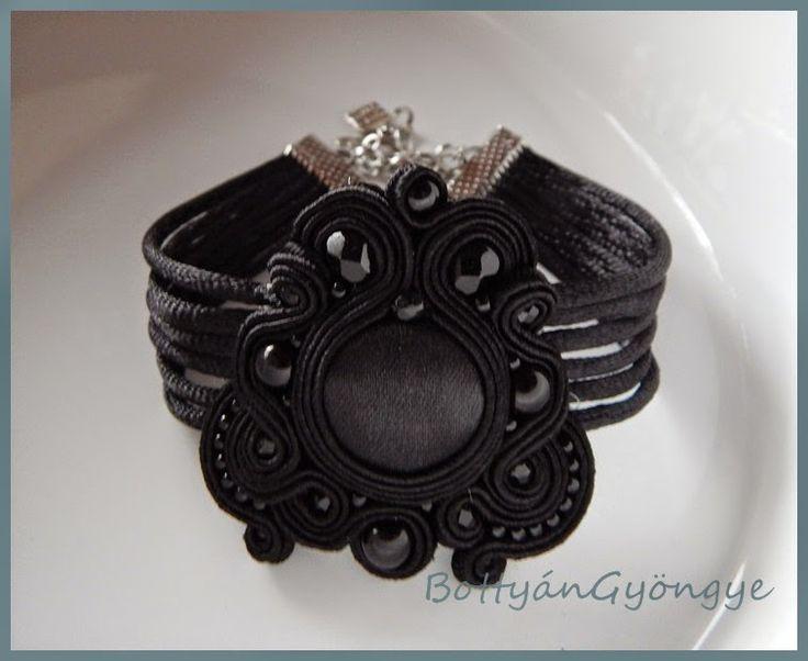 Fekete asszimetrikus sujtás karkötő - egyszerű / Smites asymmetrical black bracelet - simple