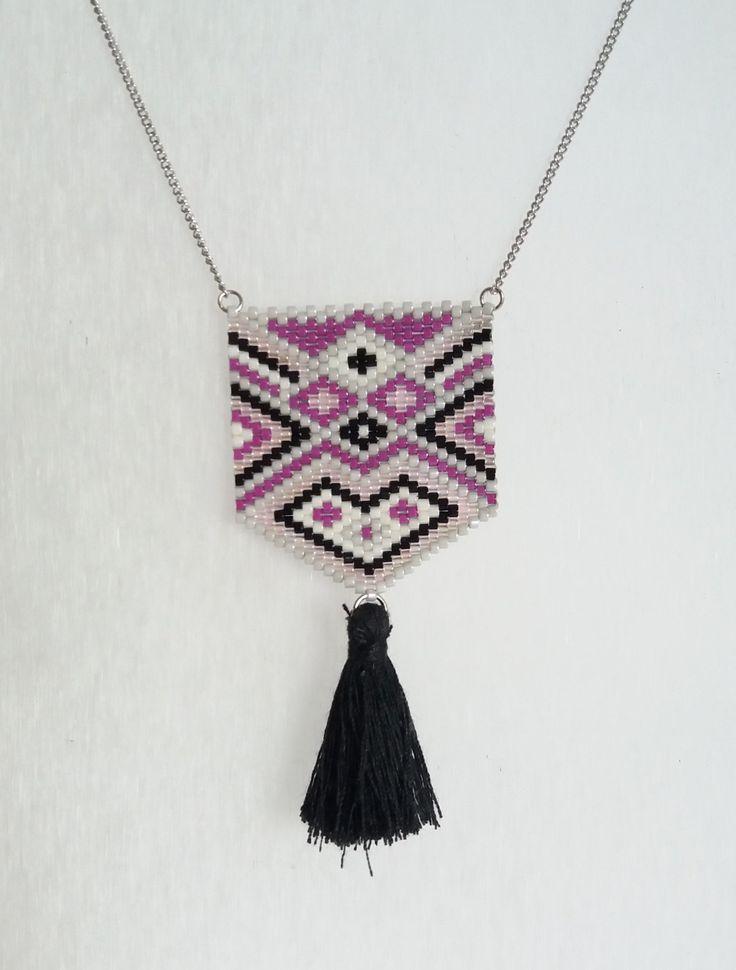 Collier, Miyuki, bijou tissé, Bohème, noire, pompon, violet de la boutique izbulle sur Etsy