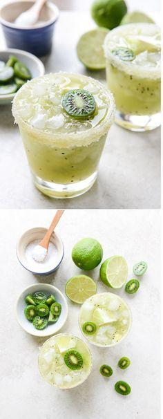 Kiwi Margaritas - the perfect summer cocktail #recipe