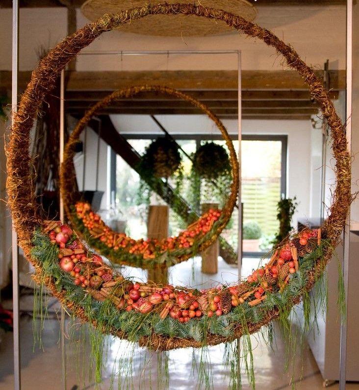 Con este interesante y moderno diseño con fibras naturales y fruta no dejaras a nadie indiferente.