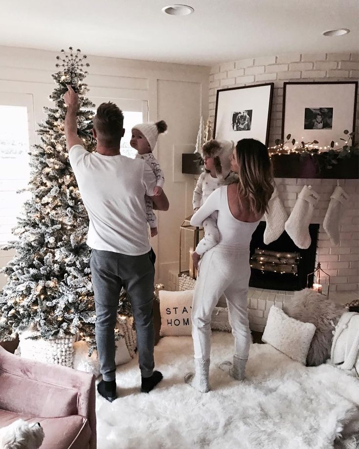 """8,069 Likes, 103 Comments - Becky Hillyard // Cella Jane (@cellajaneblog) on Instagram: """"Sweatpants, pjs and cozy at home.  It really is the best time of the year. #feelinggrateful…"""""""