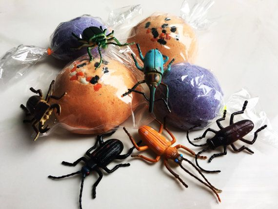 Cockroach Bug Large Bath Candy GAG Gift Fun Surprise Toy Inside Trick or Treat Bath Bomb Toy Surprise Inside! - Halloween Party Favor Prank